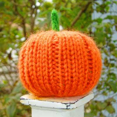 Knitted Pumpkin Pattern : Knitted Pumpkin - Laura Irrgang