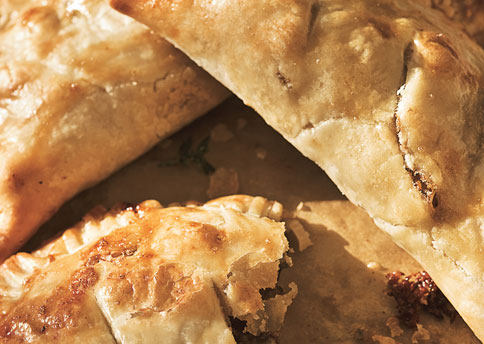 Ttss_beef_pasties_with_caramelized_onions_and_stilton_cheese_h