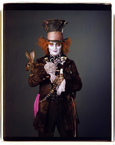 Gallery_main-tim-burton-alice-in-wonderland-promo-photos-07222009-04