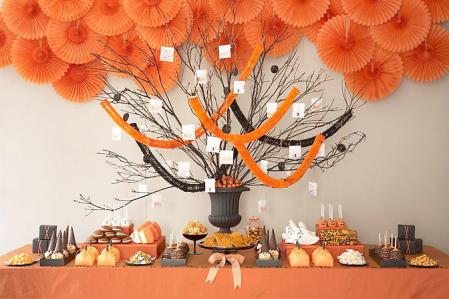 Halloween-Candy-Buffett-by-Amy-Atlas-449x299