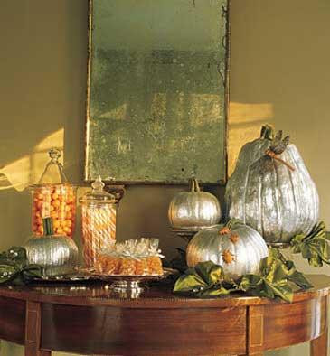 Halloween-shimmering-pumpkins-365x394