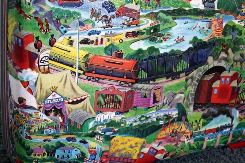 TrainSuitcase2