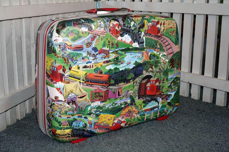 TrainSuitcase5