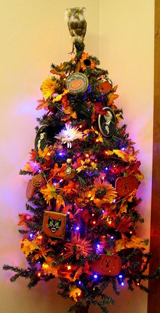 isnt this a great halloween tree - Halloween Tree Decorations