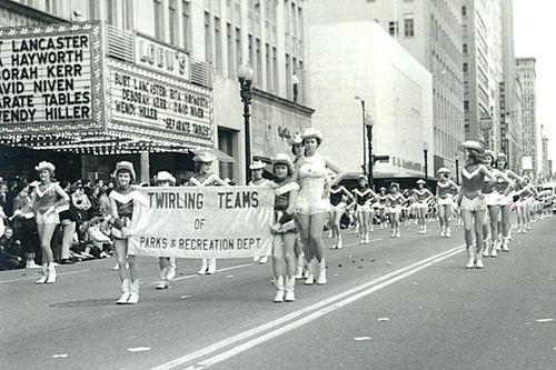Twirlers_parade