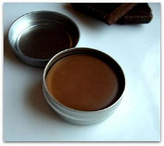 Homemade_chocolate_lip_gloss_ysmve