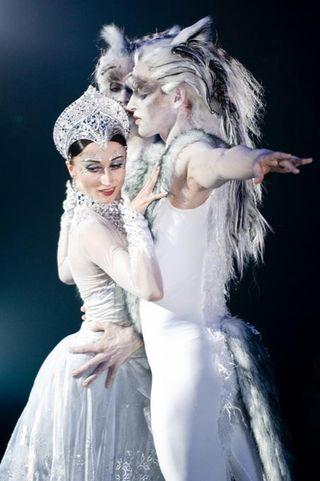 Pb_snow_queen_daria_klimentova_wolf_men_680