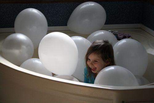 BalloonBath1
