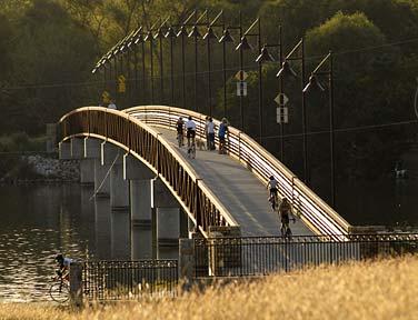 JR44868-singing-bridge