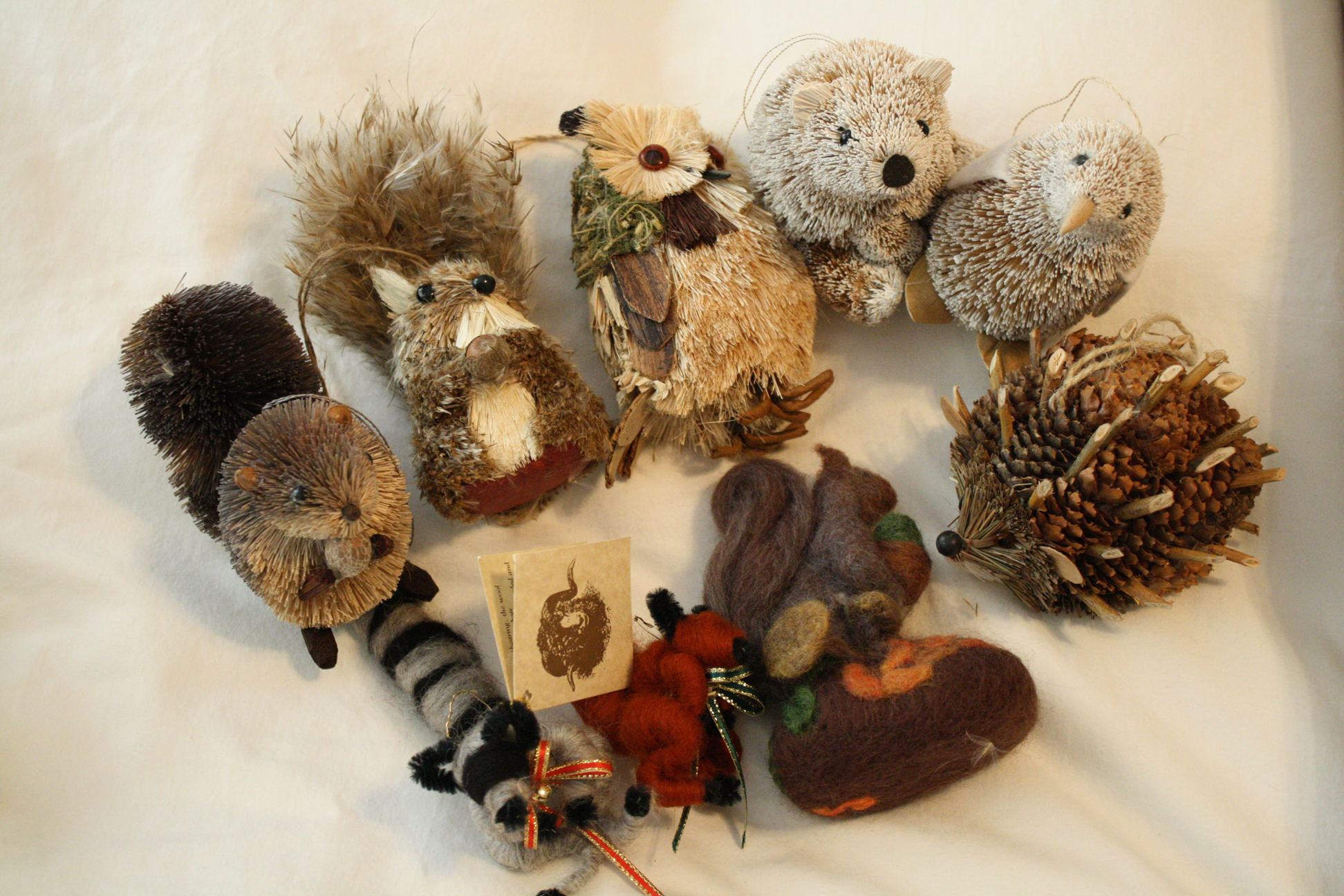 Bottle brush woodland animals - Hello Bottle Brush Critters I M In Awe Over These Hand Felted Animals Raccoon Fox And Squirrel With Mushrooms Yes Mushrooms