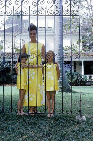 Lilly-pulitzer-howell-conant-ms-pulitzer-with-her-daughters-minnie-left-and-liza-right-at-her-home-in-palm-beach-in-1963