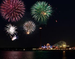 Fireworks-over-Kemah