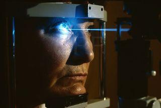 Laser_eye_surgery