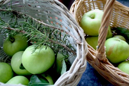 OrchardApplesBasket