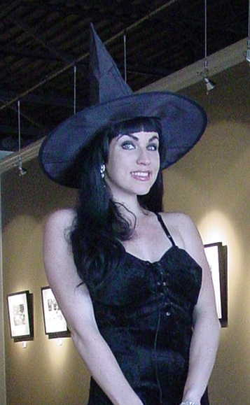Laurawitchhat